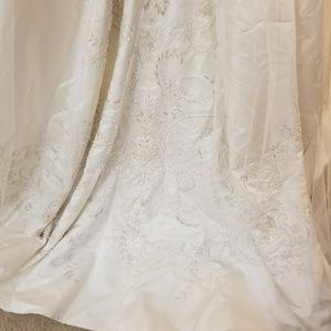 CB Cotoure Other | Wedding Gown Cathedral Veil Petticoat | Poshmark